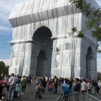 ▶クリスト&ジャンヌ=クロードによる、パリの凱旋門を包むアート「L'Arc de Triomphe, Wrapped」が公開。