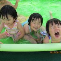 やった~!プールだぁ~!