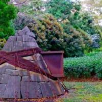金木犀と彫刻(静岡県立美術館)