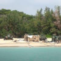海上は強風の中、埋め立て工区への土砂投入が行われる。