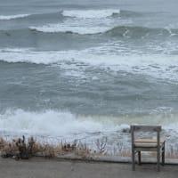 今日の鳥海山、海にはサーファー 見てる方が寒かった。