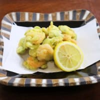 肉詰め椎茸の煮物・空豆と海老のかき揚げ
