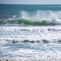 波は自然のアブストラクト