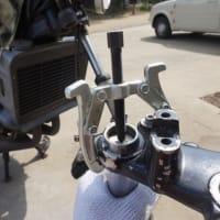 RZ250のフロントフォークのオイルシールの交換(1)