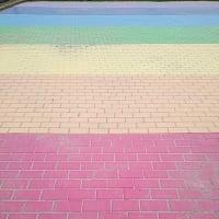 サイクリングで荒川千住新橋緑地の虹の広場も観てきました。