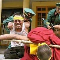 軍事力の抑止力を否定するものはチベットとウイグルの現状をどう説明するのか?