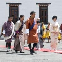 悠仁様の羽織袴姿。ブータンの王様に感謝します。