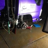 所沢市で深夜のトラック出張タイヤ交換