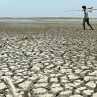"""【CNN】    8月18日11:46分、""""""""インドの深刻な水不足、5年以内に解決できなければ数億人が生命の危機に"""""""""""