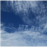 雲の形も秋模様