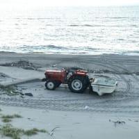 海岸にトラクター・・