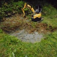 田圃の水不足・・・まだ10日ほど降らないし・・・休耕田を借りて、水溜の穴堀をお願いしました。