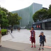 六本木の国立新美術館へ二科展を見に行った
