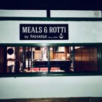 スリランカ料理店「MEALS & ROTTI by PAHANA(ミールス アンド ロティ バイ パハナ)」様の看板(設置後のお写真)