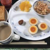 朝飯。暑さで食欲低下中です。ヘルシー食。いただきます。