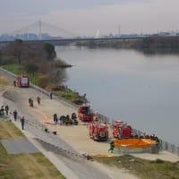 たまには淀川越え・・・まさか放水合戦?