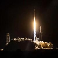 """ヴァージンの有人宇宙船""""スペースシップ2""""が飛行試験を中止。ロケット・モーターを正常に点火できず帰還"""