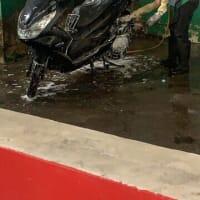 バイク買取ならバイク査定ドットコム 本日はベトナムの洗車風景です(^^)/