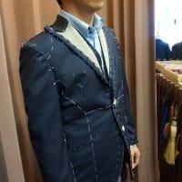 オーダースーツの仮縫い合わせ。ご来店のK様。