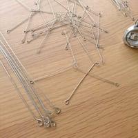 針金がいっぱい。