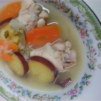 玉ねぎたっぷりのスープです&冷奴が美味しいの。