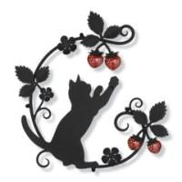 イチゴの実と遊ぶネコちゃん×ツタ×葉っぱの妻飾り