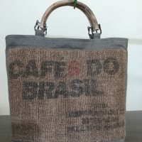 珈琲豆の麻袋・柿渋染め手提げバッグ・持ち手自然木