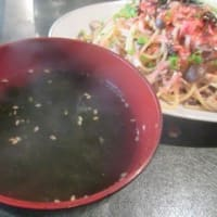 「ランチ Mesora(めそら)」、週4日、昼限定営業で、焼キノコと干しエビの和風パスタ、牛肉の炙り丼