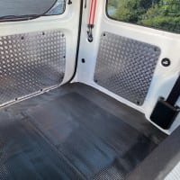 S331Vハイゼットカーゴ 荷室 縞板風プレート取付