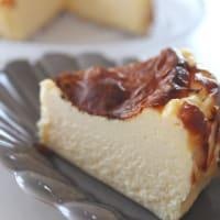バナナケーキとバスク風チーズケーキ