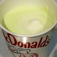 <sweets>マクドナルド マックシェイク マスカットアレキサンドリア(マスカット・オブ・アレキサンドリア果汁1%使用)