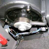 プラドのエアコンファン抵抗器修理