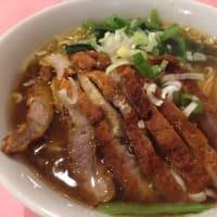 スペアリブ麺 なんじゃこりゃ~!
