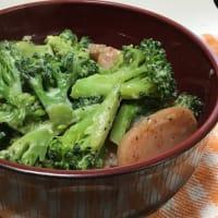 魚肉ソーセージとブロッコリーのマヨ炒め丼