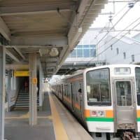 遠州鉄道は緑のラッピング電車 新浜松駅付近(2019年8月18日)