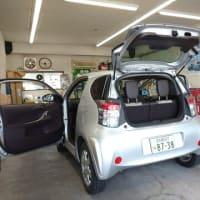 本日PITではオークション落札車のトヨタ「IQ」の仕上げ作業に着手致しました!