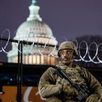 ワシントンDCに集結している米軍は米国憲法を守る大統領のために行動する