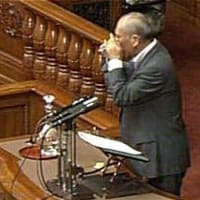 外国人参政権推進派であり靖国参拝反対の舛添氏を推す自民党