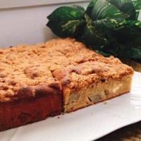 りんごとクリームチーズのクランブルケーキ