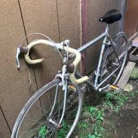 40年前の自転車を引っ張りだしたが、錆びていた。