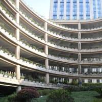 この駐車場を利用する場合、ロータリーを6階分グルグルと巡らないとたどり着くことができないという。
