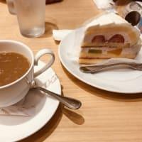 ケーキ&コーヒーでのんびり