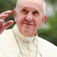 教皇、LGBTにも家族や伴侶持つ権利支持