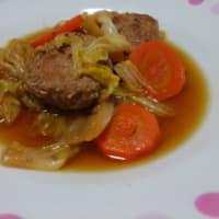 豚ひき肉のハンバーグと白菜の煮物