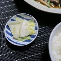 鰯のかば焼きとちくわの天ぷら、炊屋食堂の質素倹約一汁三菜定食、簡単安く旨く・・・昭和の味、