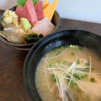 6月12日、本日の地魚三種丼とぶりのあら汁!海鮮丼屋 小田原 海舟 本店