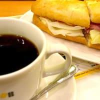 ミラノセット カマンベール ビーフ&チキン を頂きました。 at Doutor Coffee Shop (ドトールコーヒーショップ 川越店)