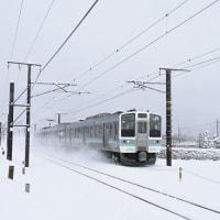 3月29日撮影 中央西線にて、雪を舞い上げる211系