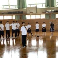 2019.07.10 一年生最後のALTとの授業