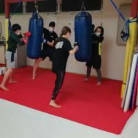 (金)キックボクシング初級19:30〜